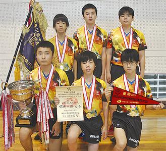 関東ベスト8に進出した6人。後列右から北島さん、湯浅さん、上里さん、前列右から伊藤さん、宮崎さん、赤木さん