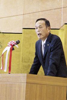 抱負を語る加山市長