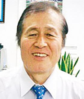 税理士・行政書士・社労士の資格を持ち、相続のプロとして活躍する青木一彦氏