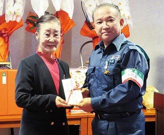 川合会長(左)と本村市長