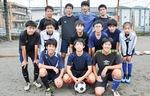 新町中学校・サッカー部(前方中央が常盤主将)