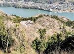 石老山から相模湖を美しく見渡せるスポットがある