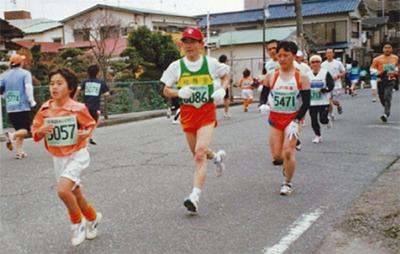 補給廠で名物マラソン