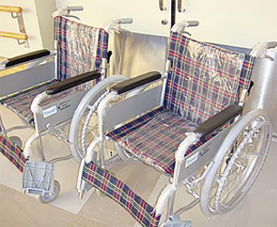 車椅子を2台寄付