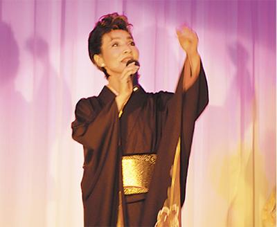 元宝塚トップが聴衆魅了
