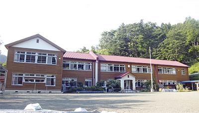 県内唯一の木造校舎