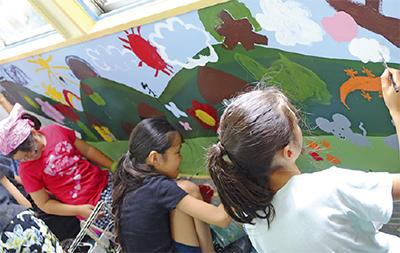 児童館がキャンバスに
