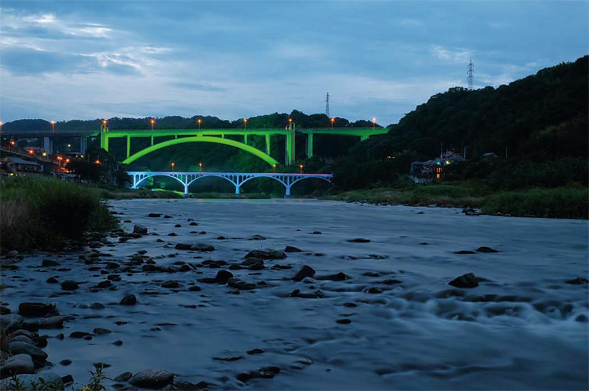 夏の小倉橋を写す