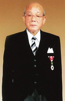 旭日小綬章を受章した時の寺田和雄前市長(提供写真)