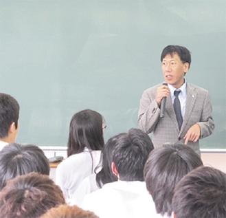講演する安川雅史氏