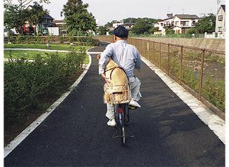 まちだ写光会・小林伸太郎さんの作品「相乗り」