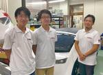 写真左から藤吉さん、青木さん、斉藤准教授