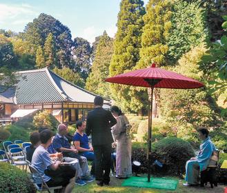 庭園では町田茶道会による大茶会が開かれた