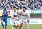 3点は長谷川アーリアジャスール選手(左)©FCMZ