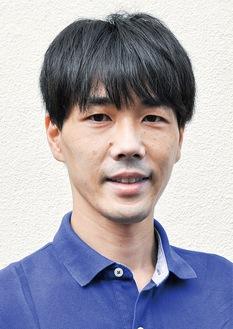 和光大学卒。前・町田市議会議員。2017年、都議会議員初当選(2期目)。36歳