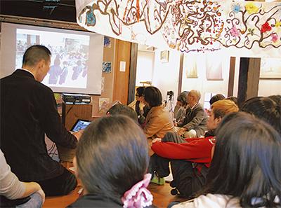 映像で発表美術の授業