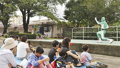"""学生の""""若い力""""で納涼祭"""