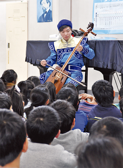 モンゴル文化に触れる