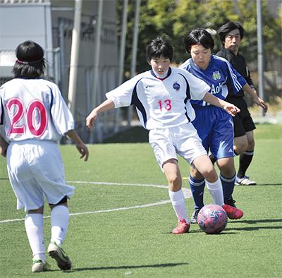 女子サッカー普及へ第一歩