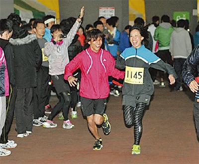 夜のリレーマラソン