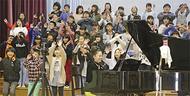 校歌作者の孫、愛唱歌作る