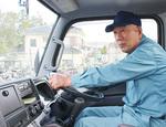 「車の運転には自信がある」と話す有山さん