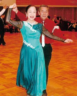イベントでの2人。「ダンスの先輩である妻を上手くリードできるようになりたい」と宇田川さんは話している