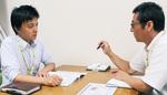 新しい取り組みについて話す廣瀬和宏・事務局長(右)と菱山さん