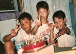 幼いころの3人=提供写真
