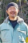 管理にあたる田中さん。薄紫色の花をみると「忙しい季節になる」と感じるのだという