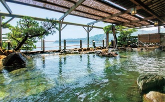 銀水荘の露天風呂。問い合わせは代表【電話】0557-95-2211