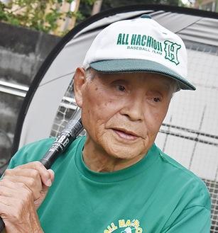 「古希野球」最年長選手の松村恒夫さん(85)=人物風土記で紹介