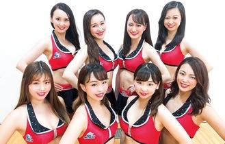 上段は昨季も活動したメンバーで、左からAKINA、KONOMI、RIHO、HIME。下段はルーキーで左からHITOMI、KOTONE、YUURI、SERINA=提供写真