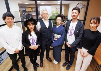 八王子ジャーニーのスタッフ。左からライターの金野さん、馬場さん、運営会社代表の木村さん、ライターのめぐみさん、山内さん、小宮山さん