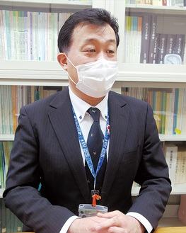 担当課長の武井さん