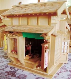 「東海道五十三次、品川宿にあるような下駄屋を想像して」作った模型