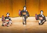 八王子芸者衆の演舞も披露された