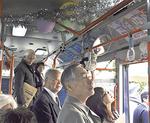 児童の作品がバスに掲示された