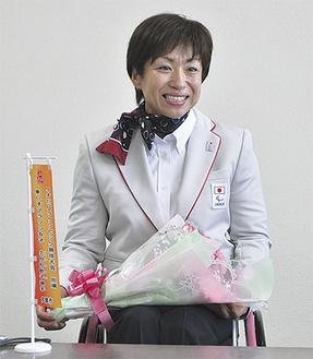 笑顔で意気込みを語る土田選手