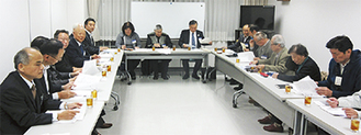 阿部市長らも参加して行われた最終選考会