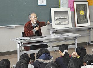作品を紹介しながら手法について語る田中さん