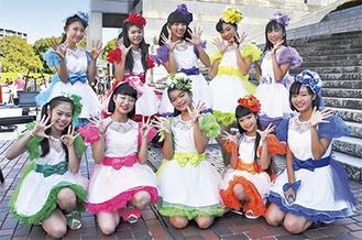 後列左からJURIANさん、MIKUMIKUさん、MIHANEさん、MIYURYさん、SORAさん、前列左から羽奏さん、akarinさん、arisanさん、ハルナさん、日菜さん