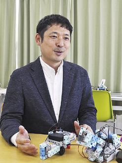 プログラミング教育について語る滝澤代表