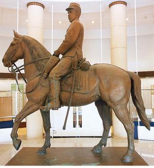 明治天皇騎馬像