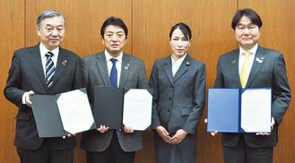 (左から)阿部多摩市長、高野府中市長、石原支部長、高橋稲城市長