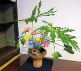 生け花と土器がコラボ