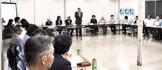 啓発活動について発表され、阿部市長が挨拶した