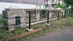 親柱とバルコニー、欄干の一部が保存されている