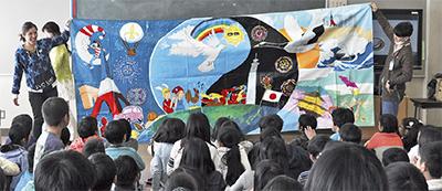 フランスの小学生と壁画制作