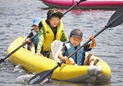 多摩川でカヌー体験